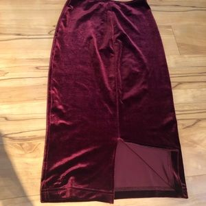 American apparel burgundy velvet midi skirt